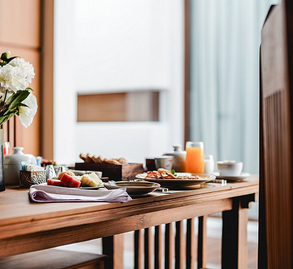 In-Villa Dining